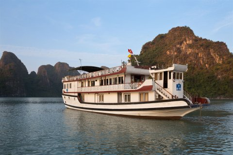 vietnam-local-bus-standard-3-stars-cruise