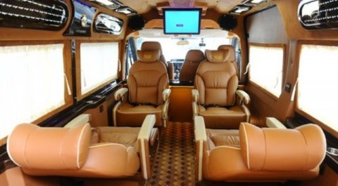 Luxury Limousine car to Sapa