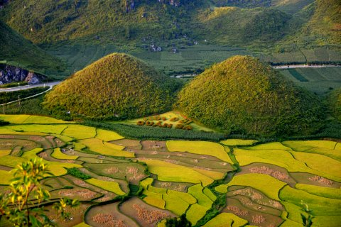 Vietnam-Local-Bus-Ha-giang